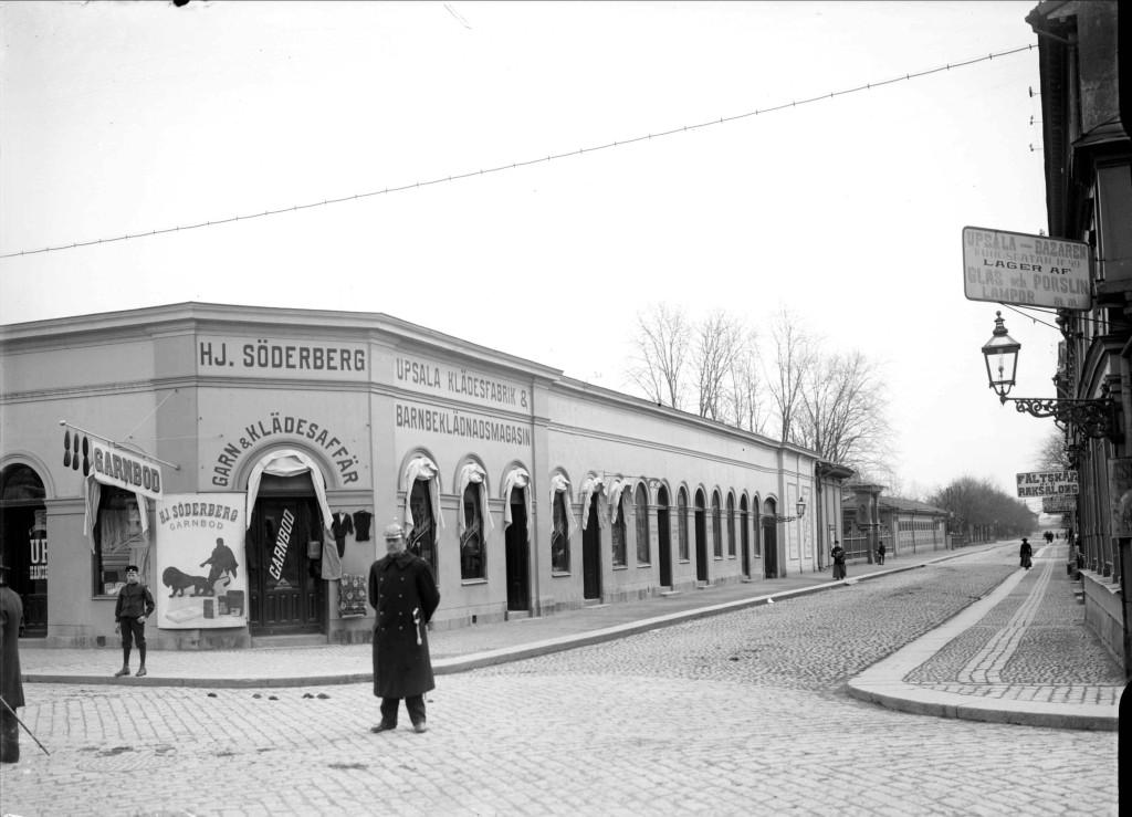 Här startade Hjalmar Söderberg sitt företag. Foto A Dahlgren 1901. UM