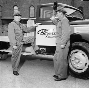 Nya uniformer år 1954. Foto: G Sundgren. UM