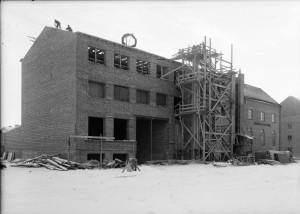 Fabriken byggs ut 1935. Fota P Sandberg. UM