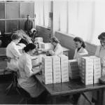 Tvålinläggning år 1954. Vid SIG-maskinen: Pelle Pettersson